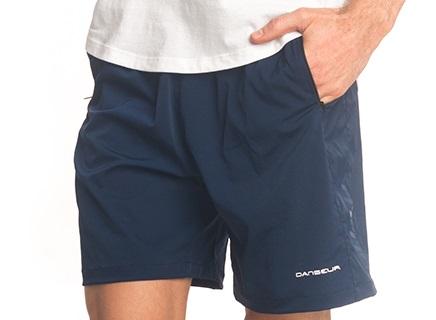 Short corto con bolsillos